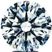 とても珍しい天然ガーネット入りの天然ダイアモンドがあるんです
