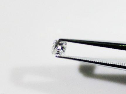 ルース(裸石)のダイアモンドからピンキーリングへ